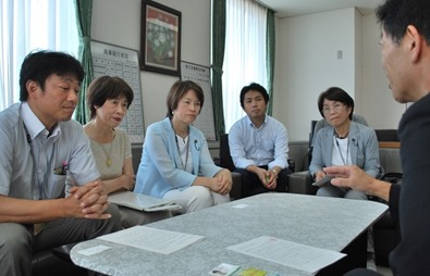 7月31日最賃引き上げを神奈川労働局長らに申し入れ
