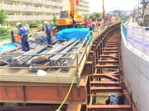 平瀬川護岸工事について、住民とともに国土交通省に要請しました